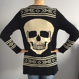 Sweaters - Black and Cream Skull Sweater